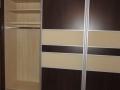 Lacobel-uvegbetetes-csokibukk-toloajtos-beepitett-gardrobszekreny (9)