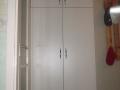 Beépített-szekrény-feher-b